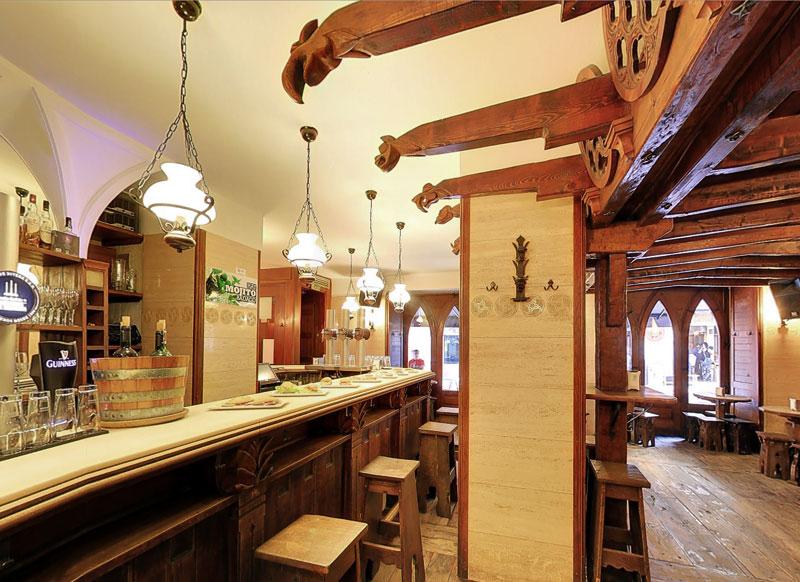 Bocadillos pinchos copas bar casa jesus mari en pamplona - Barras de bar para casas ...
